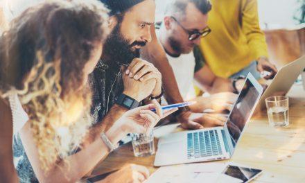 Kontakte knüpfen: Tipps fürs berufliche Netzwerken
