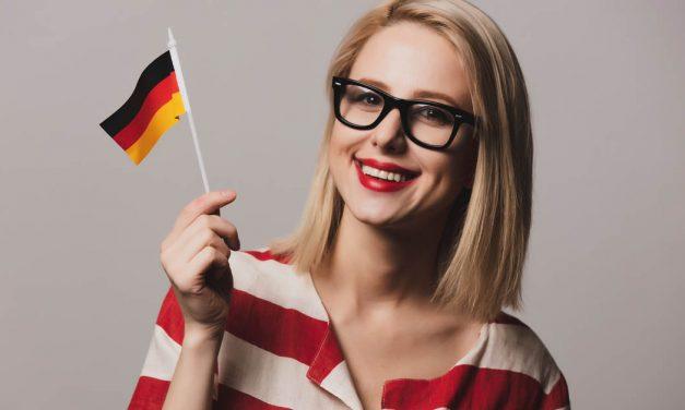 Schnapsidee, Fernweh und Dreikäsehoch: So einzigartig ist die deutsche Sprache